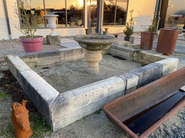 bassin avec fontaine ancien