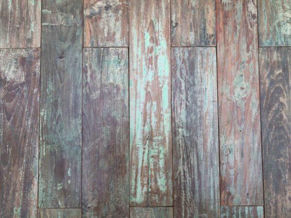 parquet vintage en teck avec peinture vert nuancé