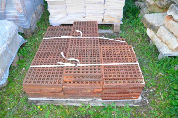 stock de grille en fonte