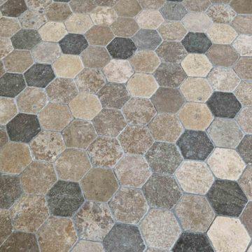 Dallage de réédition hexagonal vieilli