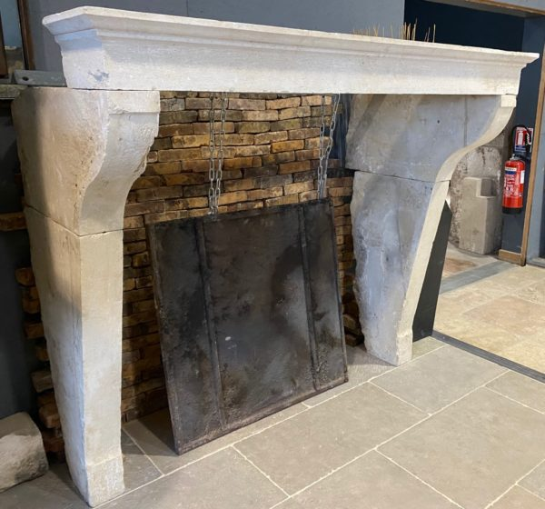 cheminée en calcaire français