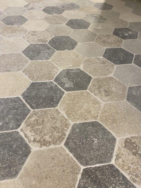 Dallag hexagonal de style médiéval