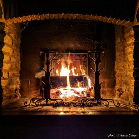 Habiller sa cheminée avec des chenets