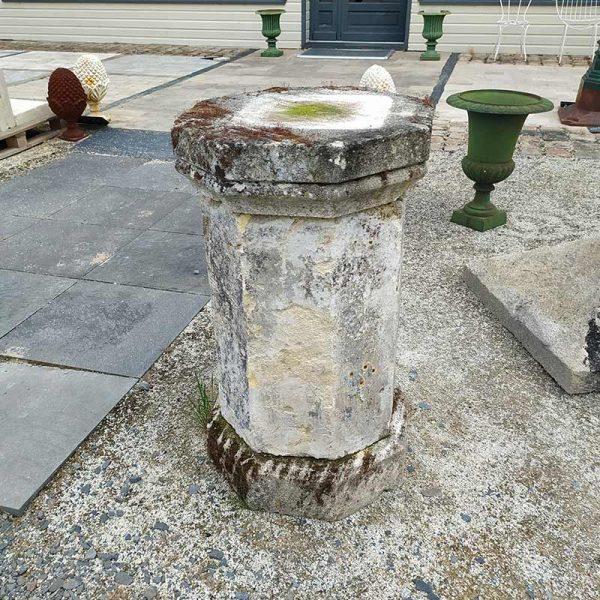 Socle à statue ancienne
