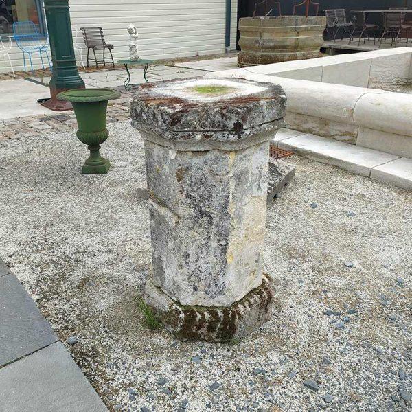 socle en pierre ancienne