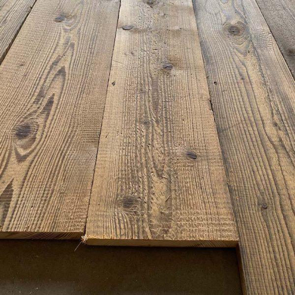 Plancher en vieux bois