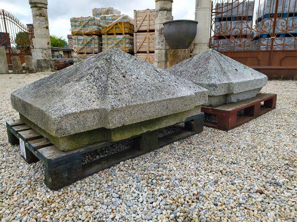 Tete de piliers en granit